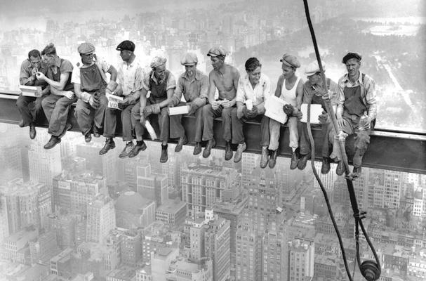 Operai in pausa durante la costruzione dell'Empire State Building